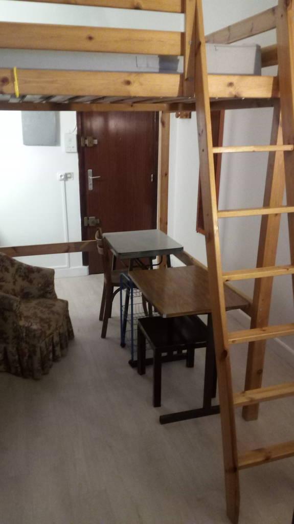 location meubl e studio 13 m paris 14e 13 m 730 de particulier particulier pap. Black Bedroom Furniture Sets. Home Design Ideas