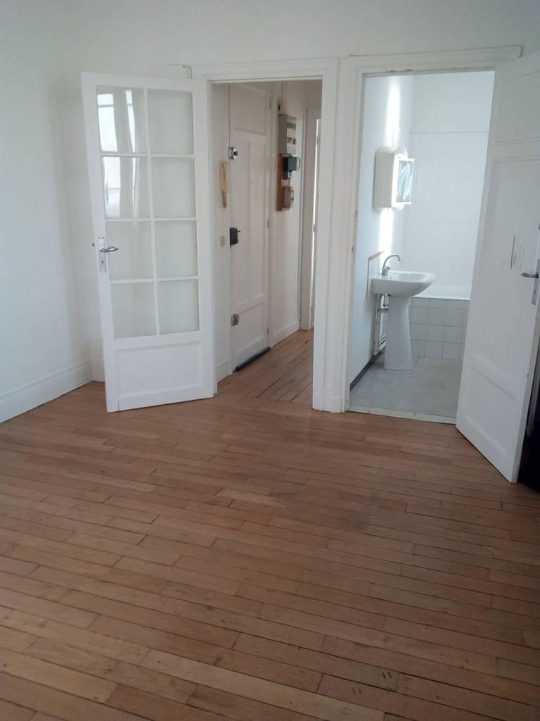 location studio 26 m boulogne billancourt 92100 26 m 760 de particulier. Black Bedroom Furniture Sets. Home Design Ideas