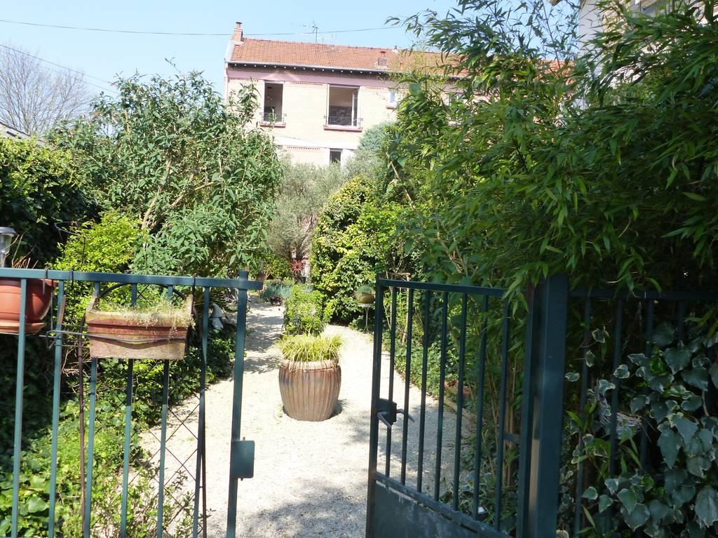 Vente et location Local d'activité Saint-Maur-Des-Fosses (94) 100m² 1.425€
