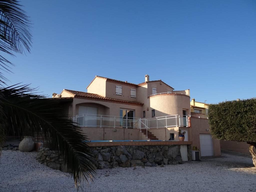 Belle Villa Avec Piscine A Fitou Aude 11 460 000 Ref