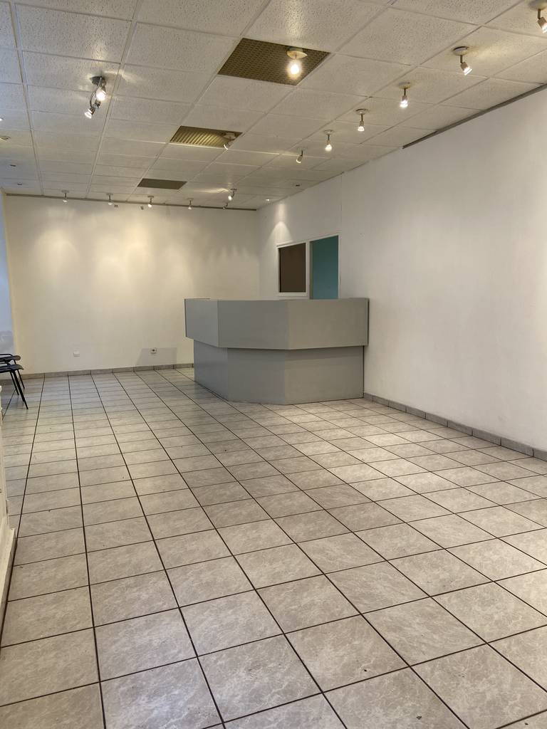 Local commercial Paris 20E (75020) 2.800 €