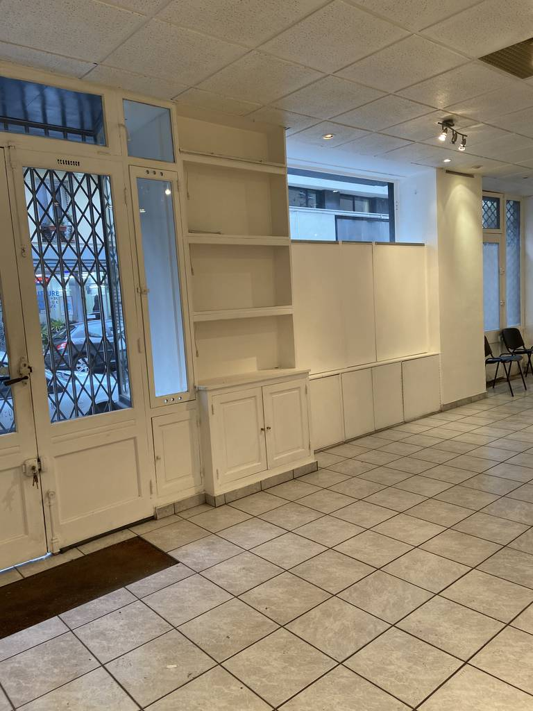 Location Local commercial 85 m²